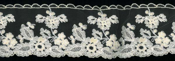 EMBROIDERED EDGING - CHAMP/IV