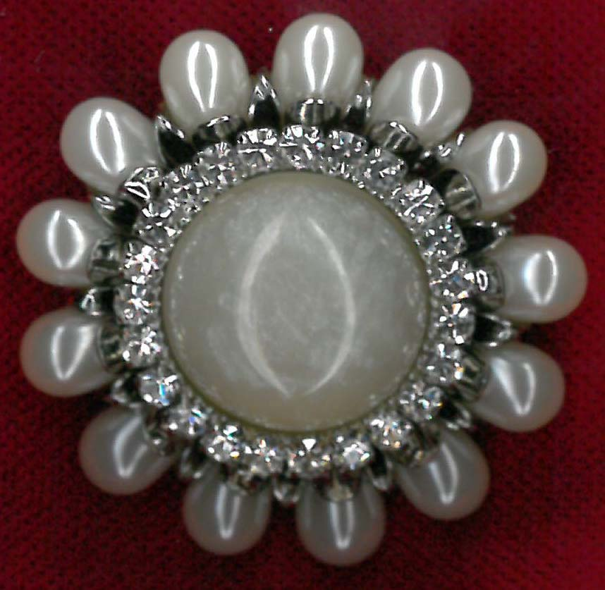BROOCH - IV/NICKEL